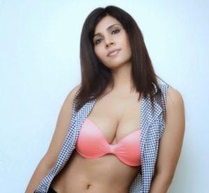 Anjanaa-Bhattacharya-HUGE-clevage-in-bikini-shoot-with-Frank-Franklyn-2.jpg