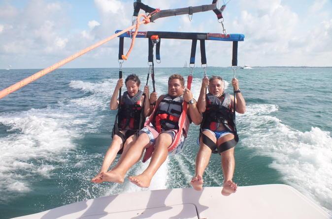 miami-parasailing-excursion-in-biscayne-bay-in-miami-148325.jpg